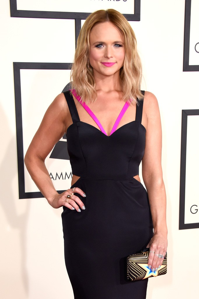 miranda-lambert-KOTUR-clutch-57th-grammy-awards-8-February-2015